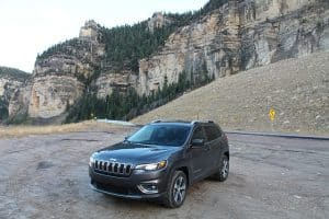 Jeep SUV with mountain background - Supertch Auto Repair North Vancouver